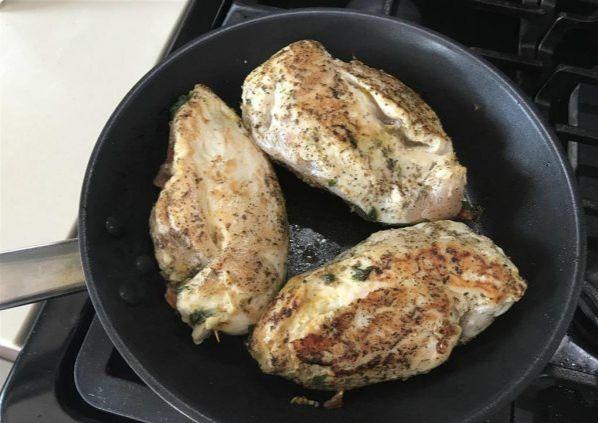 Фаршированные куриные грудки
