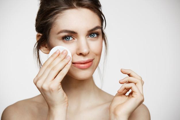 Как сделать средство для снятия макияжа