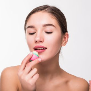 Советы по уходу за губами в осенне-зимний период