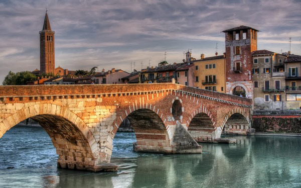 римский каменный мост Понте Пьетра